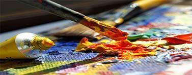 Per gli alunni delle scuole medie una raccolta di appunti e di riassunti relativi alle materie come l'educazione artistica, l'educazione civica, educazione fisica e musica