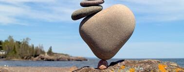 Tesina di maturità scientifica basata sul contrasto tra perfezione e eccentricità.