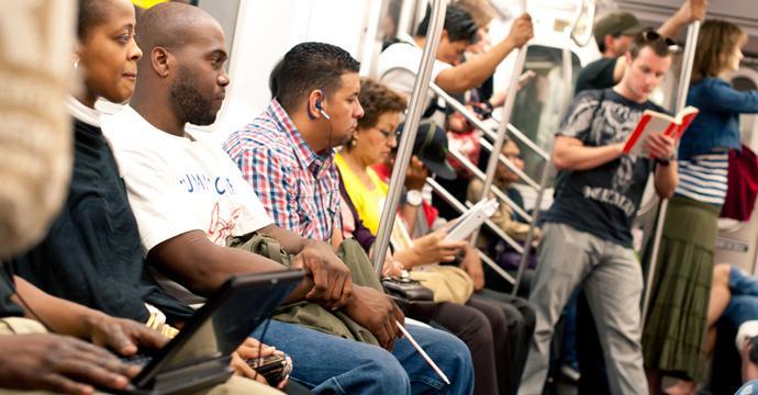 tipi persone sui mezzi pubblici