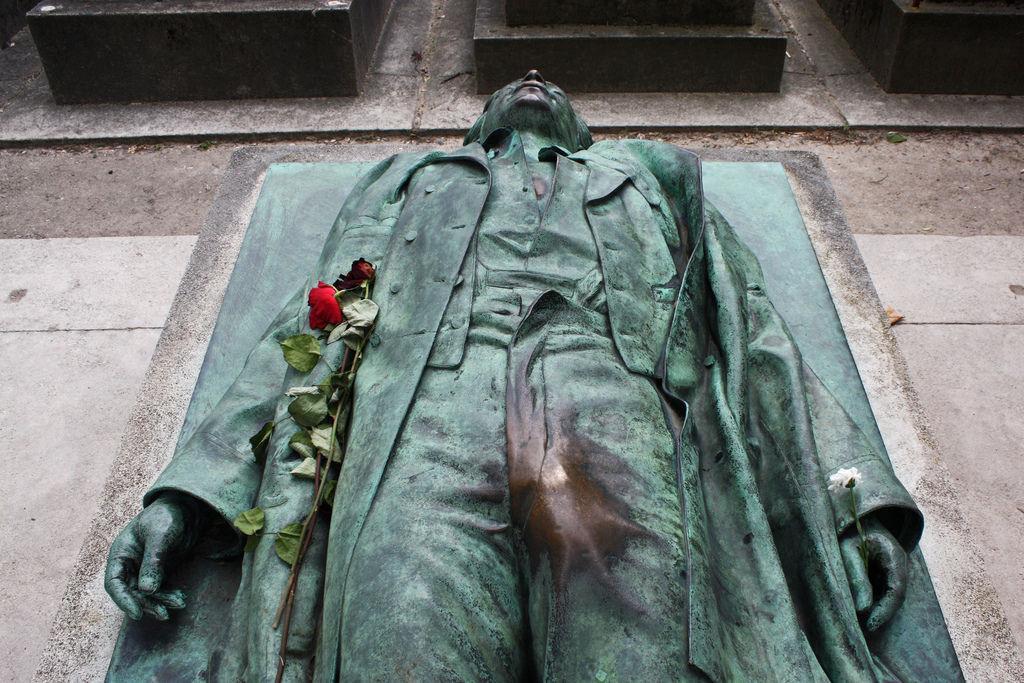 La statua di Victor Noir - Parigi