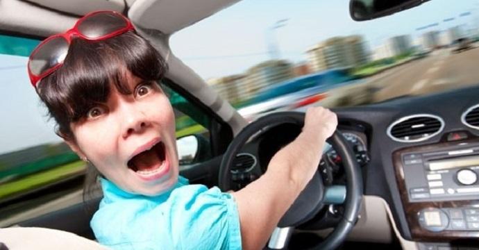 """""""tipe al volante"""""""