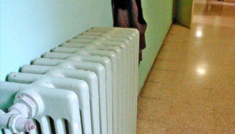 scuole fredde termosifoni spenti province fallite