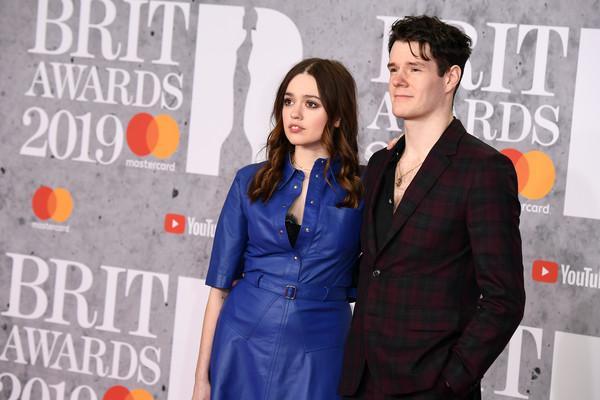 Connor Swindells e Aimee Lou Wood