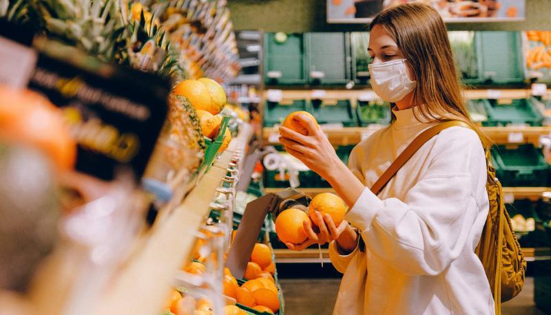 fila al supermercato