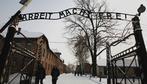 """Giorno della Memoria, gli studenti hanno """"dimenticato"""": Auschwitz? È in Germania. Liliana Segre? Il ministro dell'Istruzione"""