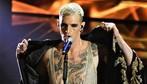 Sanremo 2020: sai riconoscere la canzone da una frase?