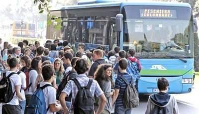 Caro trasporti, fino a 300 euro per andare a scuola