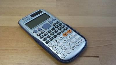Maturità scientifica: come usare la calcolatrice scientifica