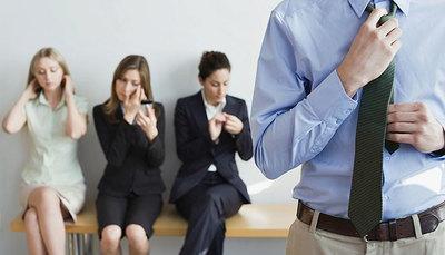 Come vestirsi per un colloquio di lavoro: i consigli per l'abbigliamento giusto