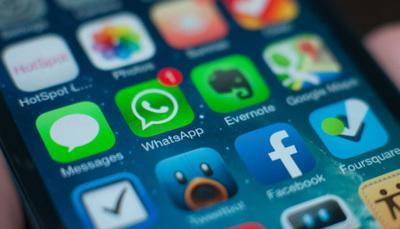 """Ecco l'app """"maggiordomo"""" che ti legge i messaggi mentre guidi"""