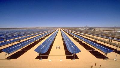 La luce del sole si trasforma in calore ed energia: come funzionano le nuove tecnologie