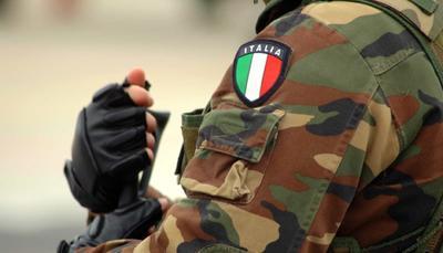 Mini naja: dopo la maturità sei mesi nelle forze armate. Ma gli studenti protestano
