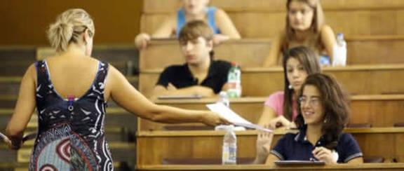 9 studenti su 10 promuovono i prof universitari. E tu?