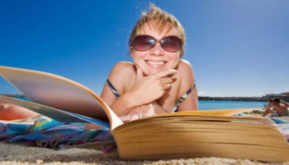 Troppi compiti in vacanza, 1 su 2 è già sui libri