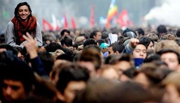 #14nRiseUp, scontri e guerriglia in città