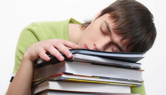 Troppo pigri in classe? 8 in condotta per tutti