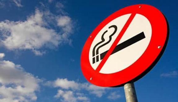 Niente sigarette per i giovani e addio video poker