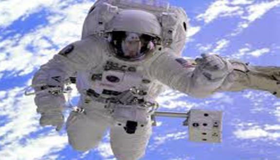 Nespoli: 16:30 videochat in diretta con l'astronauta