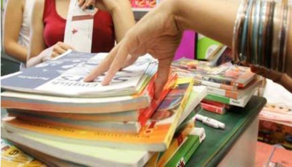 Caro libri: è allarme per 8 famiglie su 10