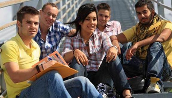 Stop decreto borse di studio, vittoria studenti