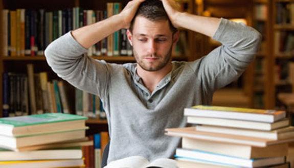 Sconti sui libri: priorità per 1 studente su 2