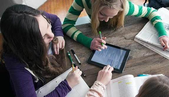 Studenti copioni, il web salva il Natale