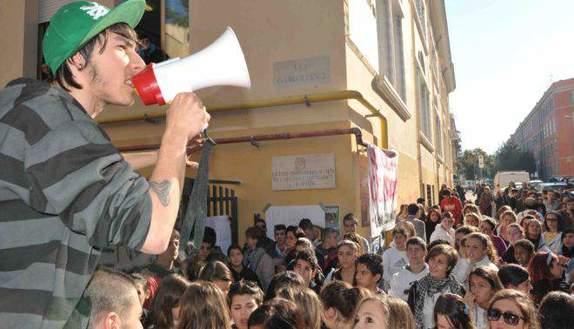 Proteste studenti: occupare è illegale?