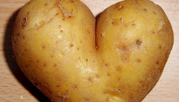 Barchette di patate al forno con burro e formaggio