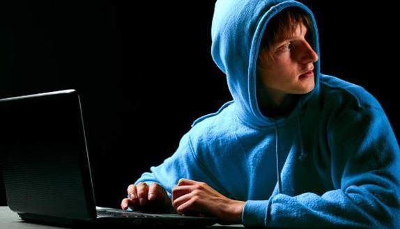 Troppe assenze: hackera il registro elettronico
