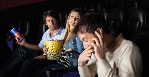 I 10 reali motivi per cui si smette di andare al cinema