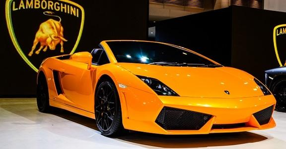 Lavorare in Lamborghini: stage per laureati in Economia ed Ingegneria