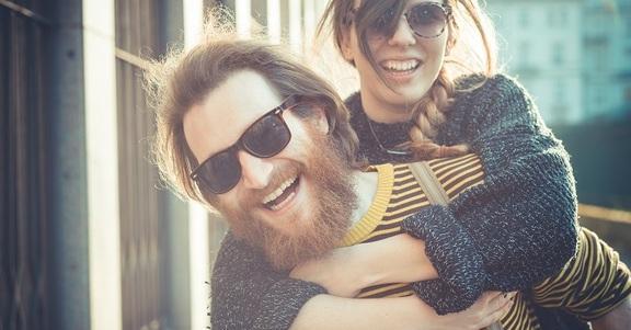 10 buoni motivi per uscire con un ragazzo che ha la barba