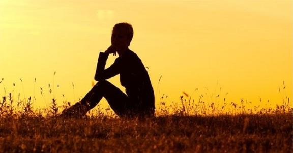 8 ottimi motivi per cui è bene saper stare soli