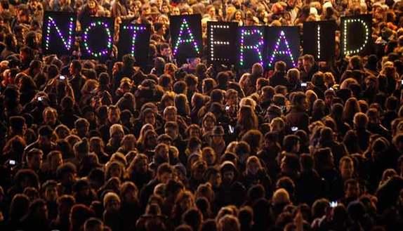 Attentati a Parigi: non vince la paura