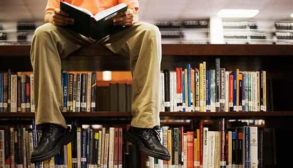 Studenti: vogliamo leggere di più, ma basta mattoni