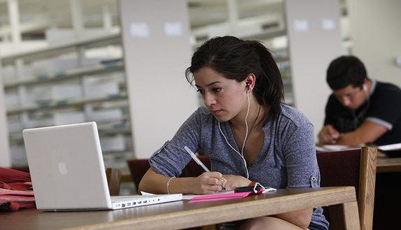 Tesina maturità: più di 3 su 5 la cercano sul web