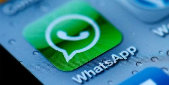WhatsApp: in arrivo il dito medio tra le emoji