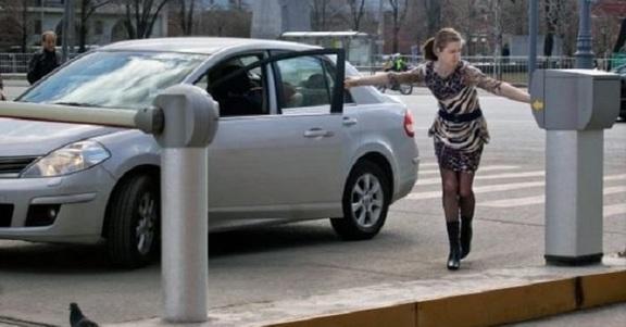 7 tipi di parcheggiatori che avrete sicuramente incontrato almeno una volta