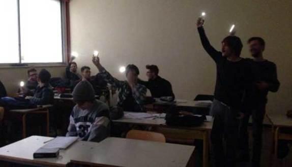Scuole da incubo: senza luce né acqua a Bari