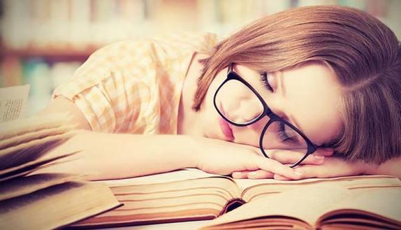 Per alzare i voti in pagella ti basta dormire