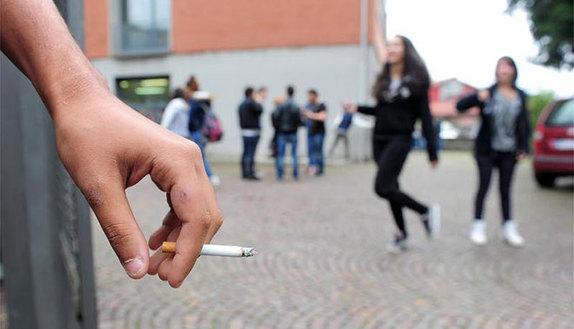 Troppo fumo? La ricreazione si fa in classe