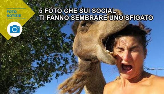 5 foto che ti fanno sembrare sfigato sui social