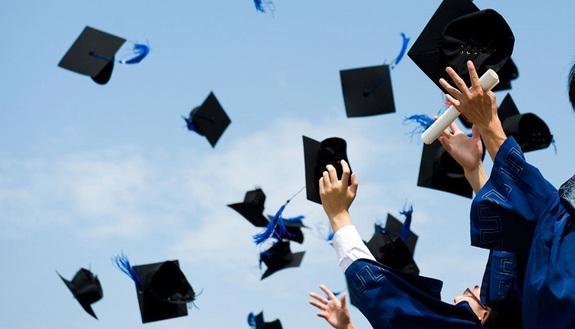 Addio tesi di laurea: la proposta di Scienze Politiche a Torino