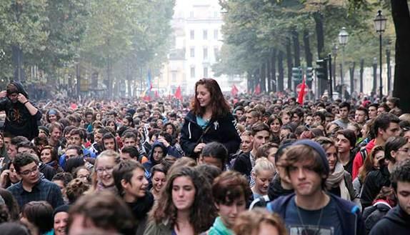 Manifestazione 7 ottobre: la voce dei social