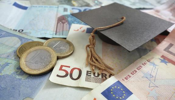 Università in Italia: alte le tasse, poche le borse