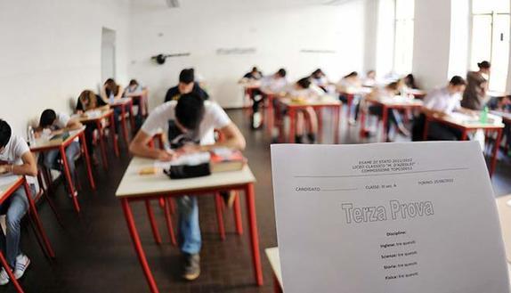 Maturità, terza prova 'truccata': 500 studenti ripetono il quizzone