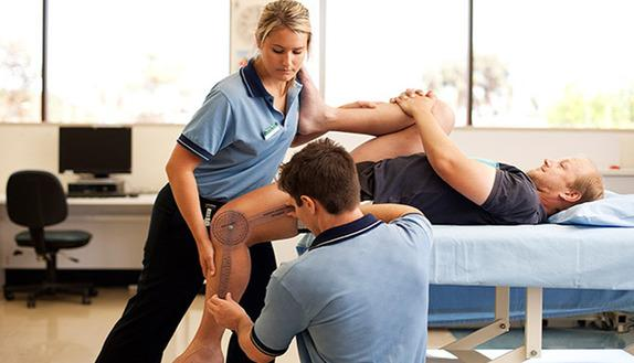 Test professioni sanitarie 2017: le probabilità di passare a Fisioterapia