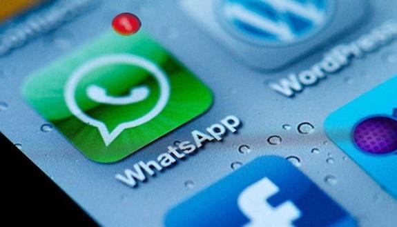 WhatsApp, nuovi termini e privacy: cosa si rischia davvero?