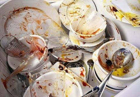 7 modi per convincere il tuo coinquilino a lavare i piatti