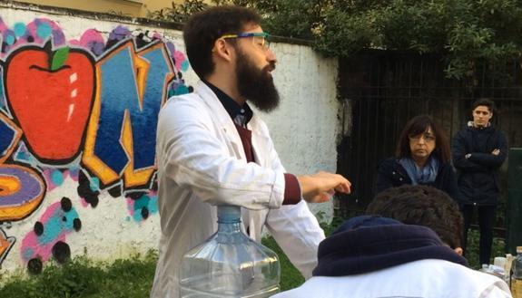 Esperimenti, laboratori, attività: come cambia la scuola se gli studenti salgono in cattedra